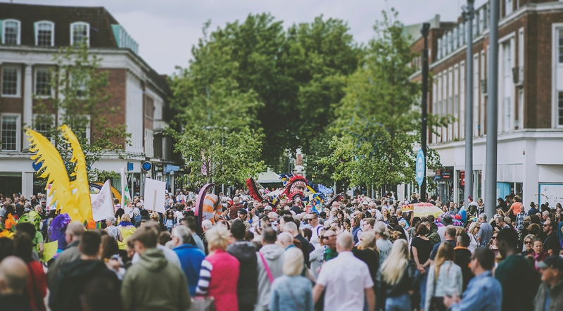 CROWDS HULL INTERNATIONALE CARNIVAL FREEDOM FESTIVAL 2017